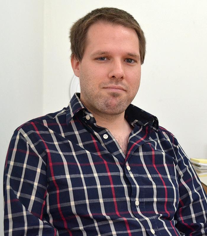 Titular - Esteban Knöbl